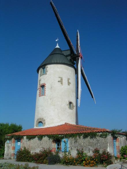 Avec la force d'eole - Moulin de raire, Vendee, Sallertaine